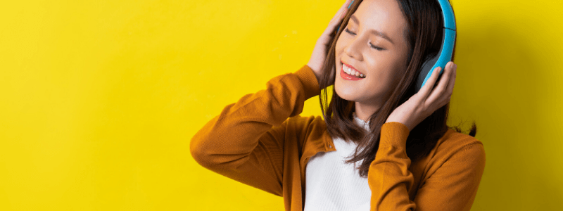 how teenagers can make money listening to music online